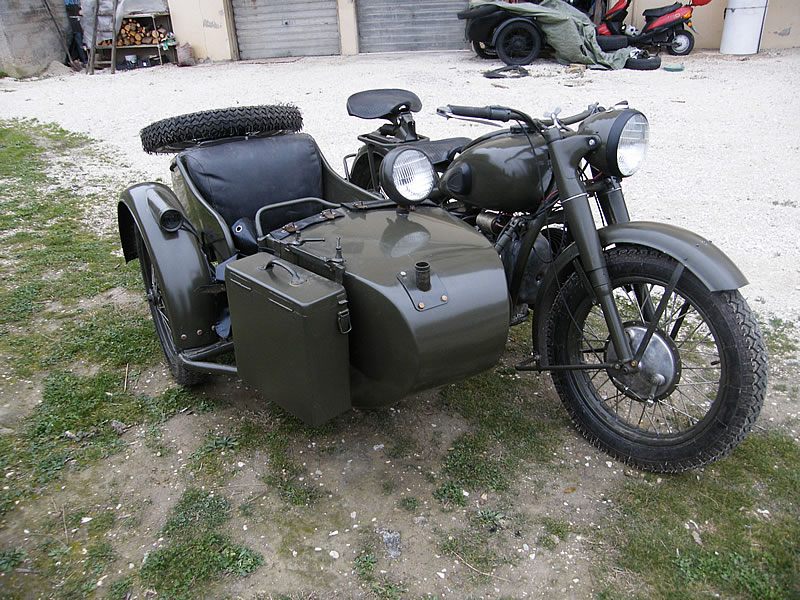 http://www.side-cars.it/ural%20m72%20stalin%20foto4.jpg